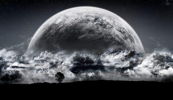 今すぐできる開運術・満月の夜に幸せを受け取る9つの方法