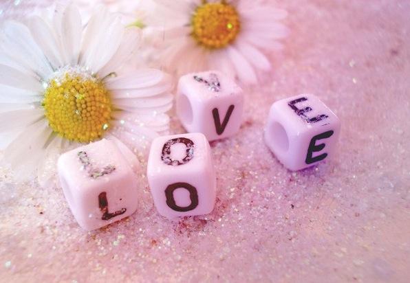 恋を成就させる、7つの恋愛心理学