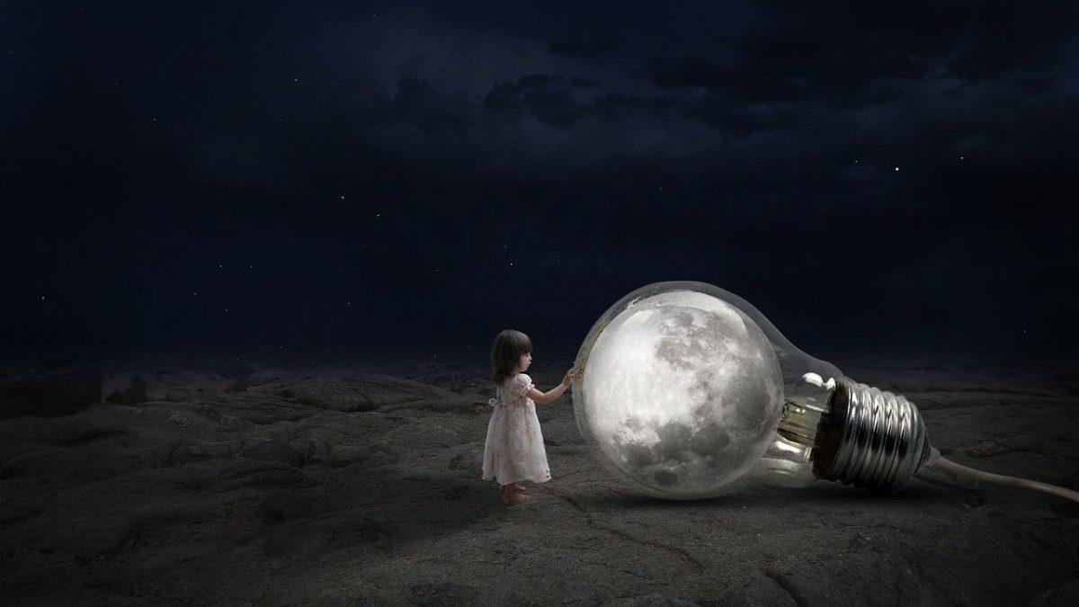 新月の夜にやってはいけない9つの事のイメージ