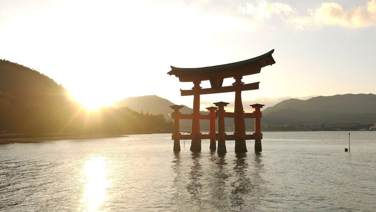 恋愛祈願を叶えてくれる縁結びの神社とパワースポットのイメージ
