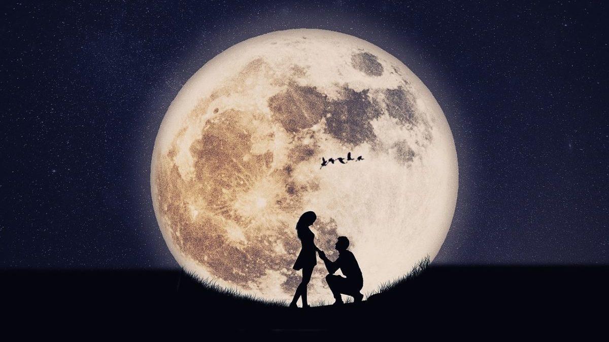 満月の夜に行う不思議なおまじないのイメージ