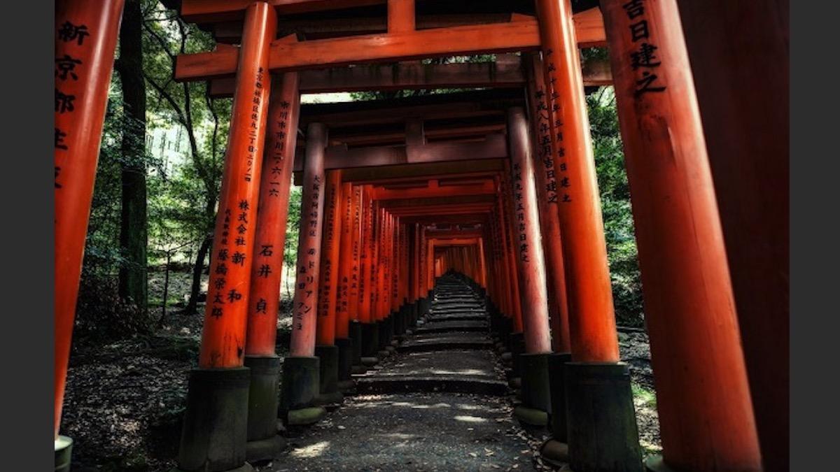 恋愛祈願を神社で行う時に絶対にやってはいけない9つの事と縁結びに効く場所のイメージ