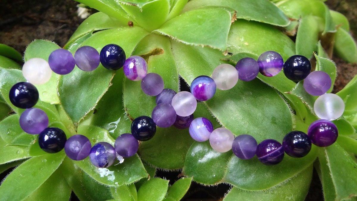 数珠ブレスレットの効果を高める方法 数珠ブレスレットで運気を上げる組み合わせのイメージ