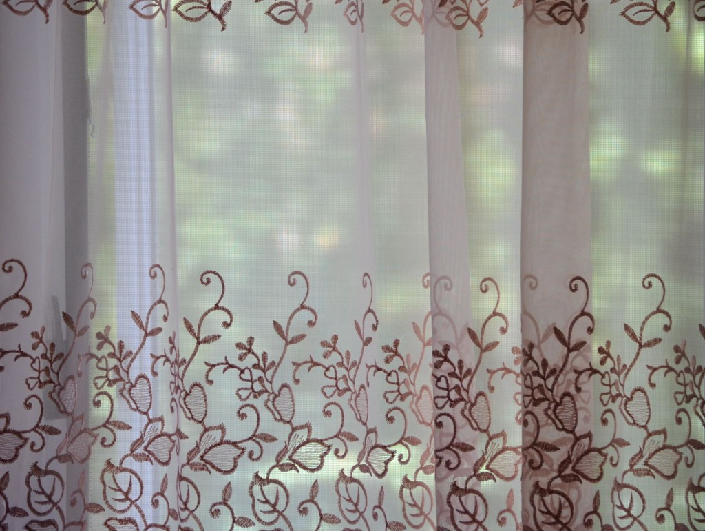 カーテン選びに風水を活用して幸運を呼び寄せる9つの方法