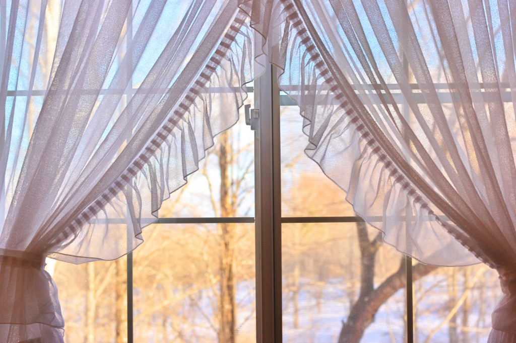 カーテンを風水で選んで理想の恋愛を成就させる7つの方法