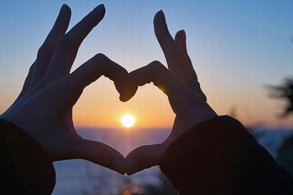 ひとりで簡単にできる「絶対に効く恋のおまじない」7選