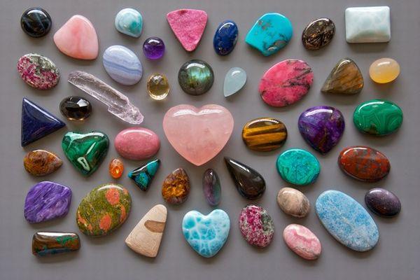 最適の石を選ぶ時に役立てたい7つのパワーストーン相性
