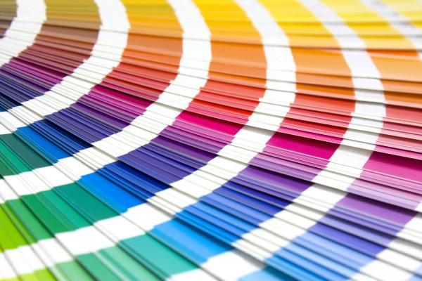 色で性格を見抜いて親密な関係になる9つの方法