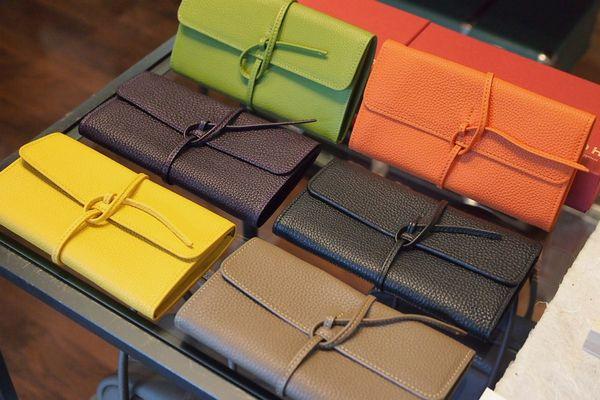 お金を無理なく貯めたい人に オススメする9つの財布の色