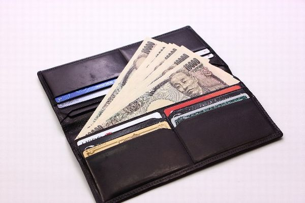 風水で新しい財布を選んで 金運を引き寄せる7つの方法