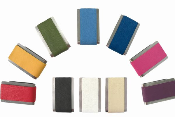 財布を選ぶとき、色に注意して幸運を招き寄せる7つの方法