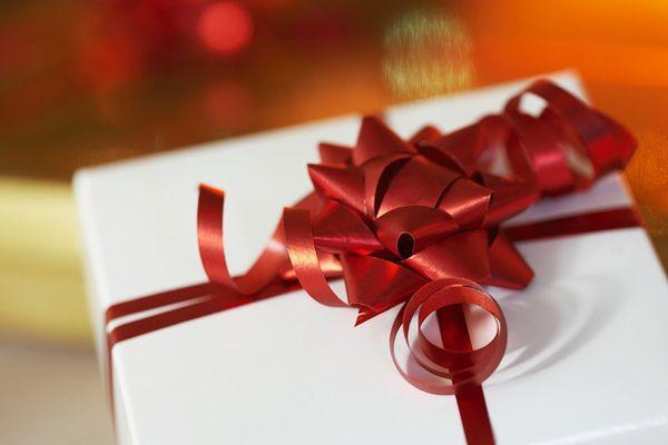 彼女が感動するプレゼント!渡し方の最高のタイミング解説