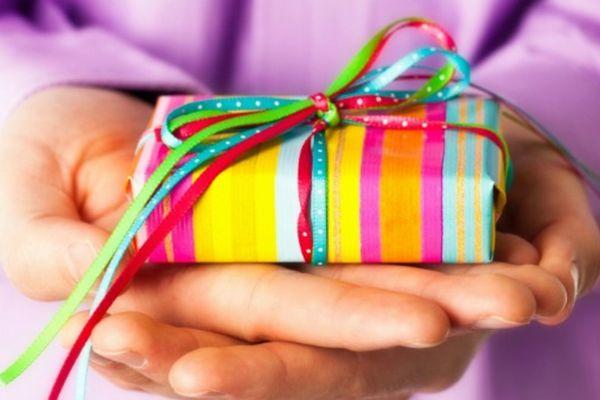 プレゼントを男性に贈り一気に恋仲になる秘密のテクニック