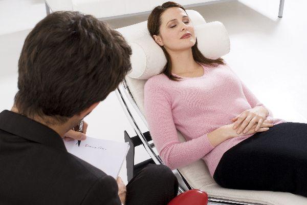 催眠療法を正しく使って、心身の疲れを取り去る5つのケア