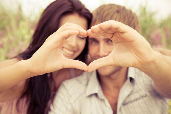 6月誕生石で女子力を倍増!好きな人との恋を満喫する方法