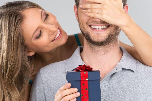 記念日のプレゼントで恋仲を深める!5つの効果的な渡し方