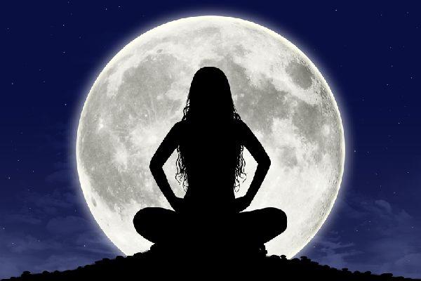 満月を生活のリズムに取り入れるだけで健康をキープする知恵