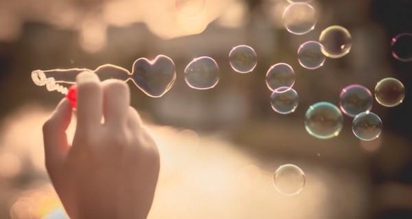 無料タロット占いでキラキラした恋愛を体験する5つの方法