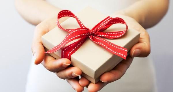 誕生日プレゼントを男性へ渡す☆好印象な5つの方法