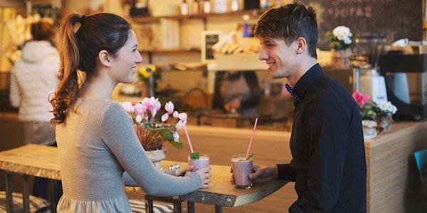 付き合うきっかけを作って、友達から恋人同士になるには?