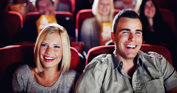 付き合う前に、好きな人をデートに誘う4つのテク