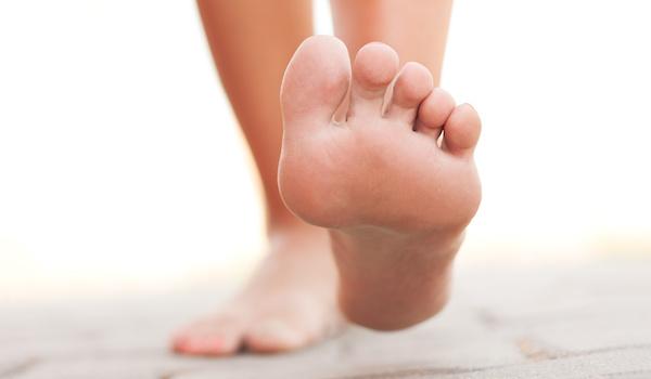 足の裏のほくろが大きくなると危険な理由