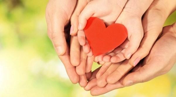 思いやりを行動に移し、人間関係を良くするには
