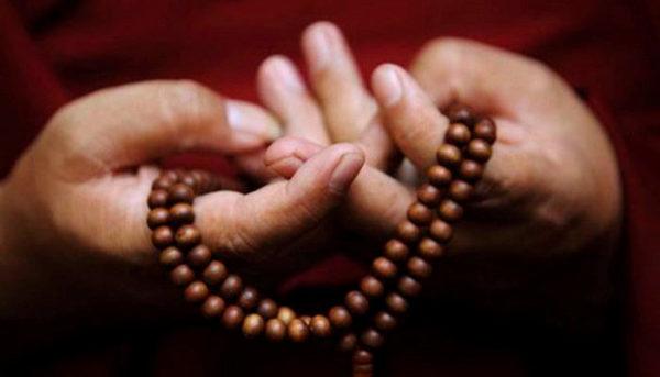 急な仏事で困らない お数珠の持ち方とお作法