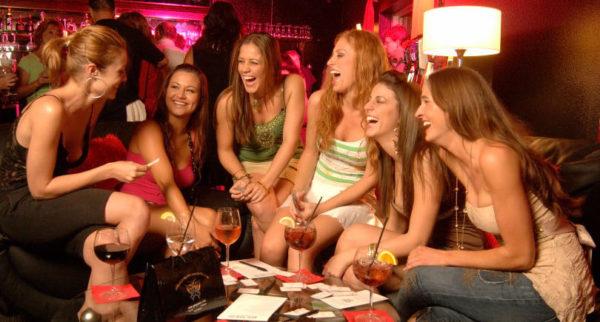 女子会のイメージ