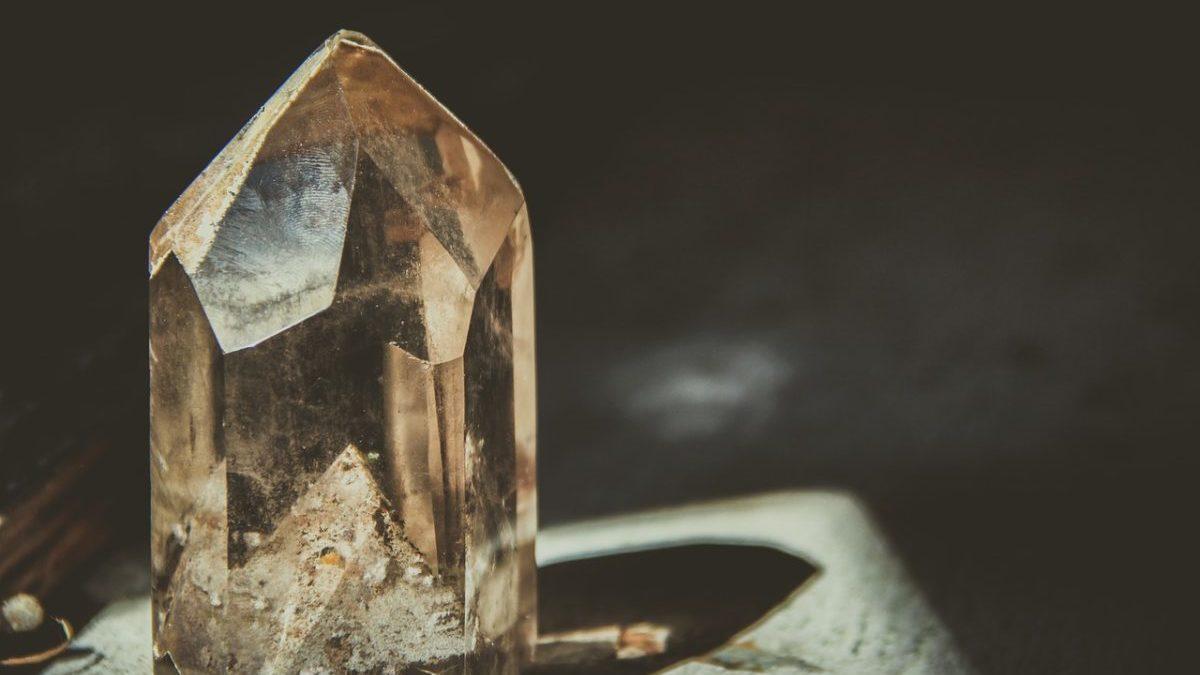 水晶のパワーを借りて、運気を上げる為に必要な事をまとめました。