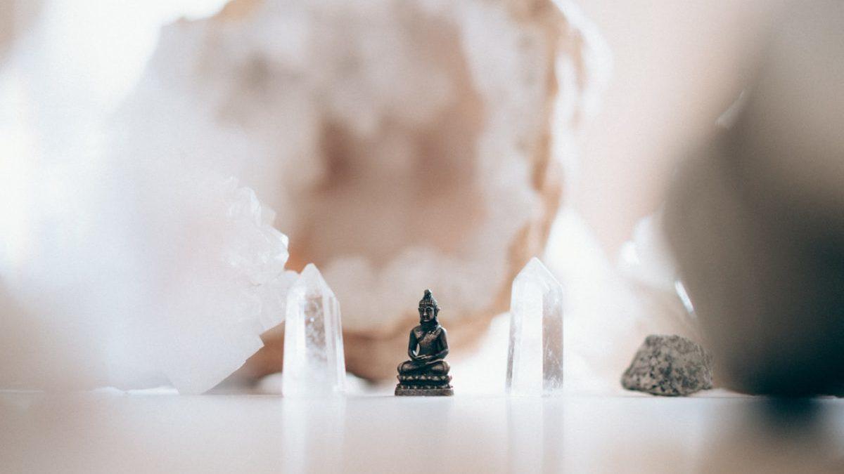 水晶を浄化してエネルギーを取り戻す方法まとめ