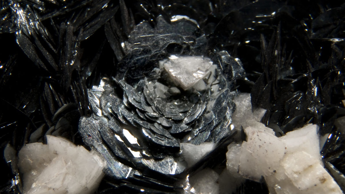 ヘマタイトの効果を高めるコツと、石の組み合わせで得られるパワー