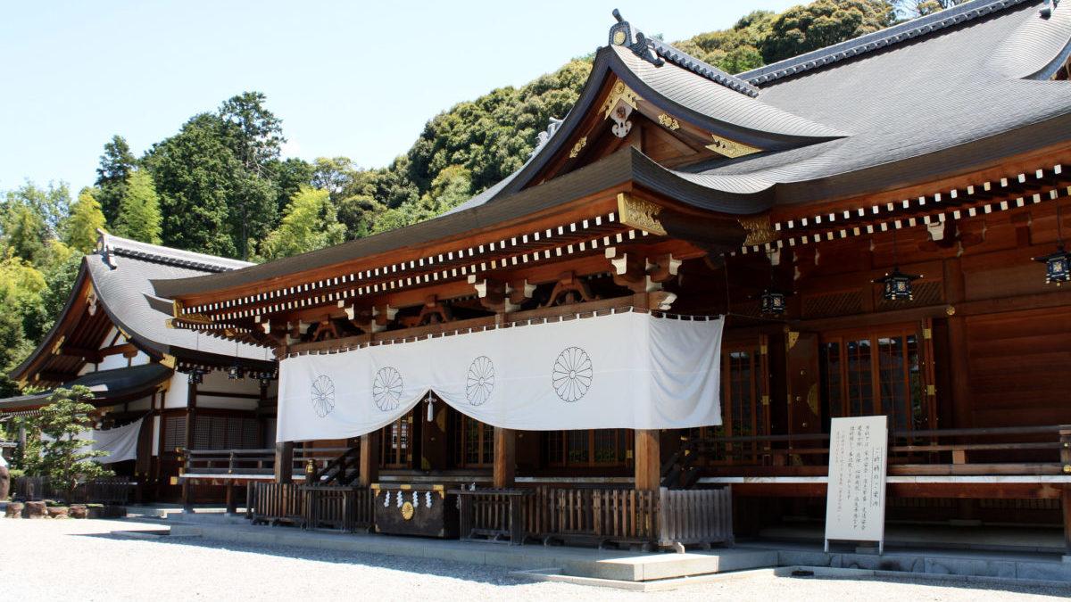 神の宿る山が御神体の大神神社のイメージ