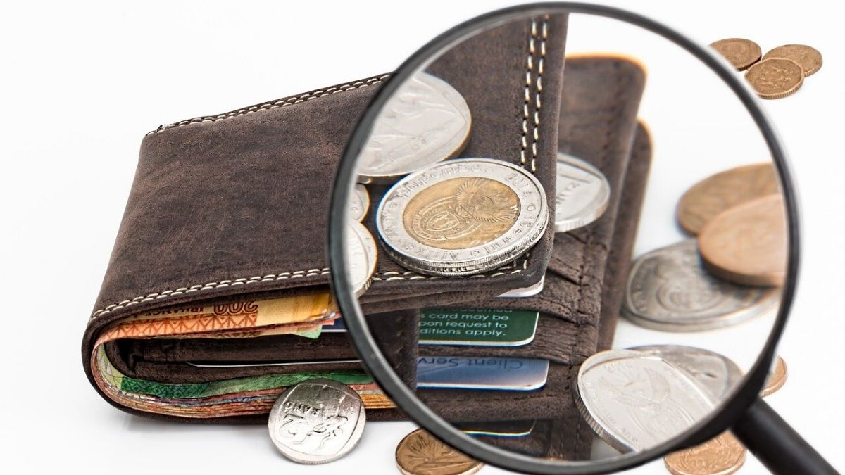 財布にお金が入るイメージ