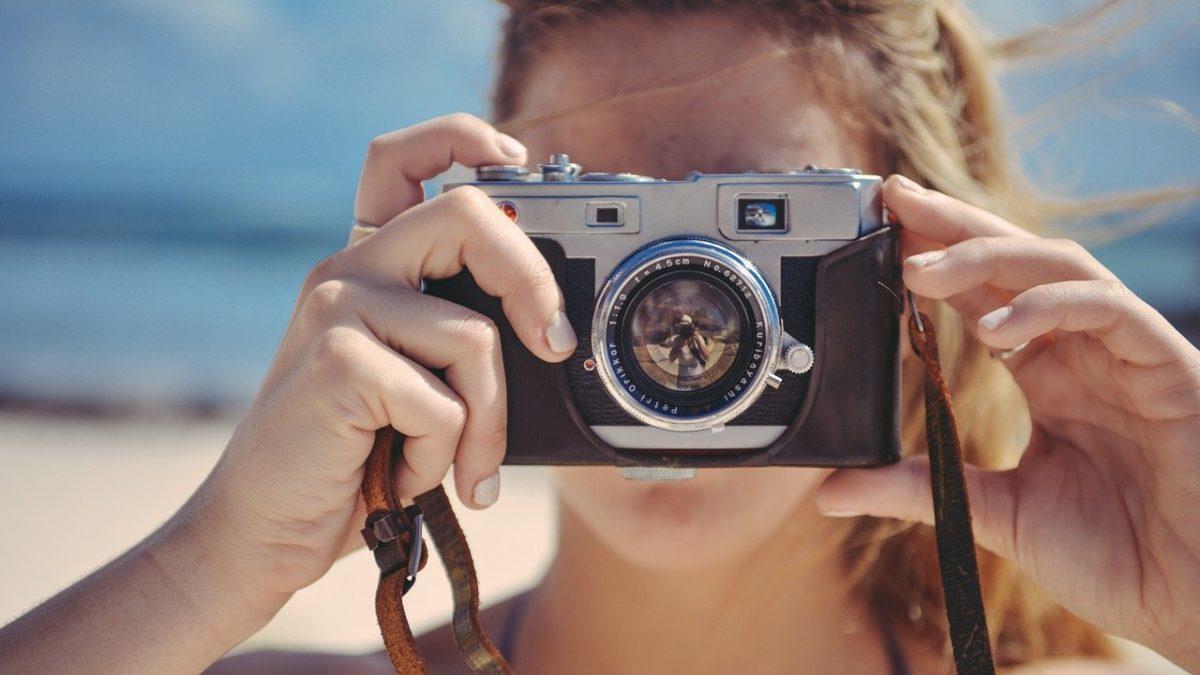 つまらない人生と楽しい人生を送っている人の3つの違いのイメージ
